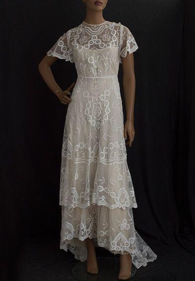 1910 Vintage Dresses   Visit vintagetextile.com