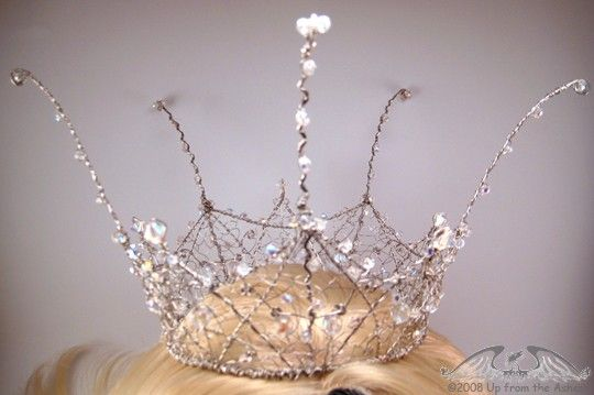 Yes, Your Magesty Crystal and Wire Crown