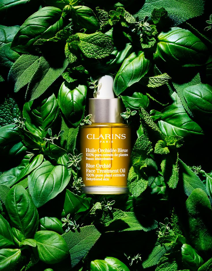 0010 Still Life Product Photographer clarins beauty cosmetic oil plant woods leaf foliage