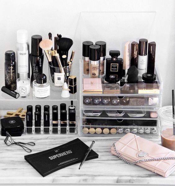 Niet te veel maar toch genoeg voor een prachtige Make Up tutorial. #Stash