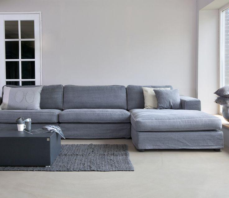 Voorbeeld van Festone leef-/hoekbank Graphite grijs. Basiclabel on joorn. 1399. Hocker 229. 249 cm lang, diepte chaise 177