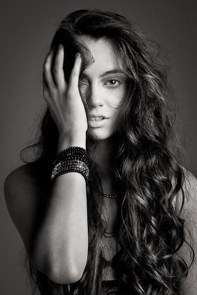 model: Kasia Cz / D'Vision MUA: Monika Molenda Hair: Tomasz Szabuniewicz Stylizacja: Sylwia Lulko Assist: Andrzej Szatyński Photo / retouch: Marek Korlak  #portrait #girl #woman #hair #long #curly #bw #black #studio #fashion
