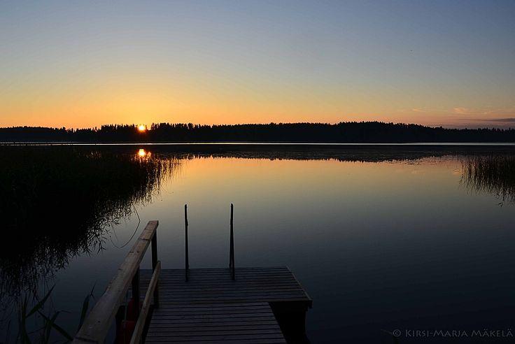 Auringonnousu mökkirannassa www.murajantila.blogspot.com