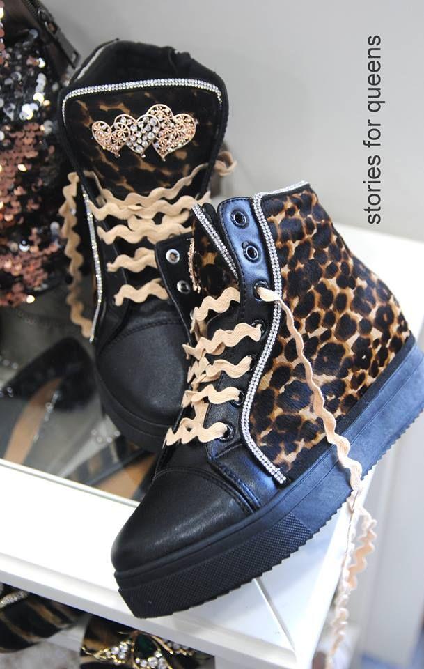 xειροποιητα sneakers στολισμενα με animal print δερμα και βαμβακερα κορδωνια τιμη 45ε τηλ εργαστηριου 2105311994 τζων κενεντυ 35 περιστερι #fashionista #storiesforqueens #handmadecollection #handmade #fashion #μοδα #lovemyboots