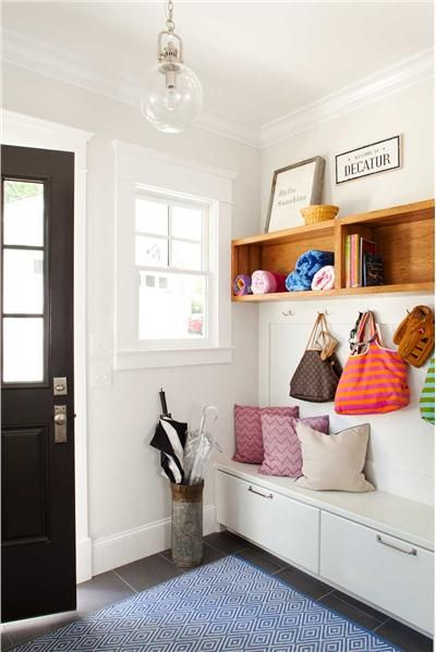 Problem: How to establish order in your entryway? Solution: Try out these  ideas