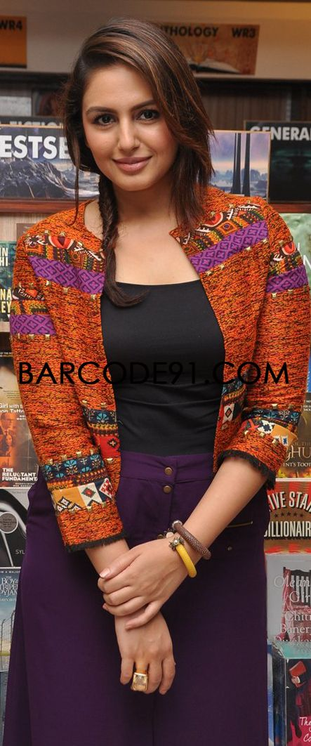 http://www.barcode91.com/ Huma Qureshi in Vinegar outfit for Vibhor Tikiys's book launch DADA.