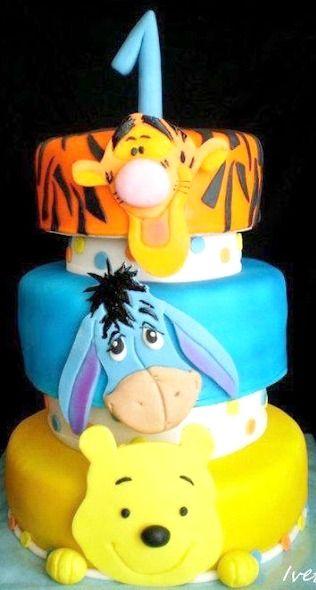 Pooh Birthday Cake
