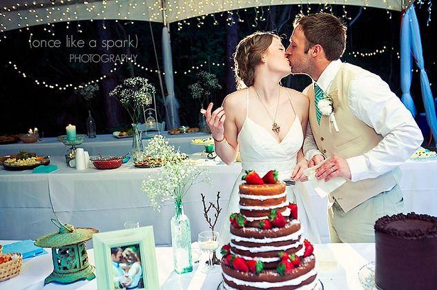 ¿Están felices de casarse, pero simplemente tú y tu novio no tienen mucho dinero para la fiesta de bodas? ¡No hay problema! Si quieres organizar una boda de bajo presupuesto, el bricolaje (DIY) está en gran demanda. Es divertido y además te ayudará a ahorrar.
