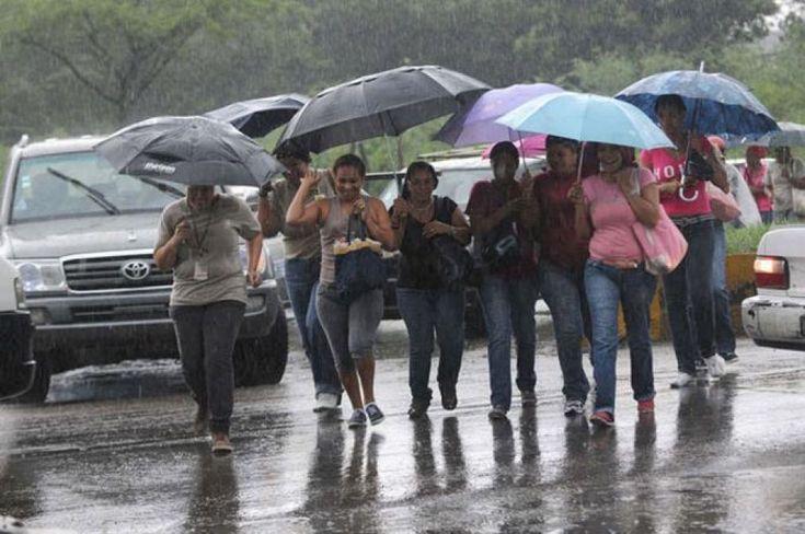 Las lluvias que afectan gran parte del país persistirán hasta el inicio del fin de semana, pronosticó hoy la Oficina Nacional de Meteorología (Onamet)...