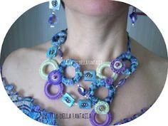 Sul filo della fantasia: Collana anelli perle e uncinetto.