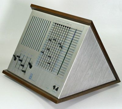 Marvin Minsky's 1972 sequencer/synthesiser, the 'Triadex Muse'