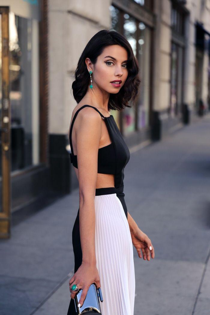 6d6db8039b Une robe soirée tenue de soirée tenue tendance chic belle robe noir et  blanc moderne