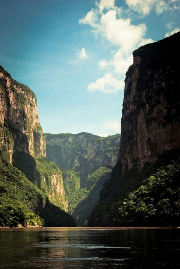 Have been posting beautiful pictures from all over the world, but gotta let you know my country is beautiful too :) México. Cañón del Sumidero. Chiapas