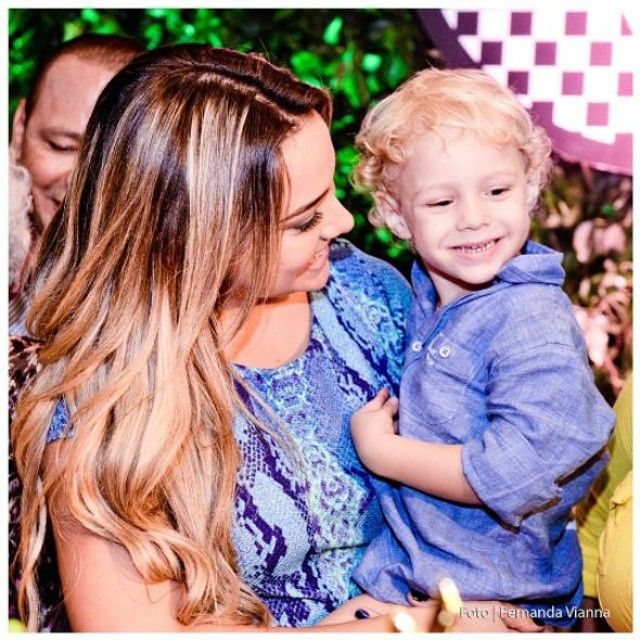 """Carol said once: """"I love my son and I don't want him to be unhappy. Neymar and I try always to be good friends."""" (She praised Neymar) """"Davi is like his dad. When Davi has the flu, Neymar always cares about him. No matter which problems he is always helping us!"""""""