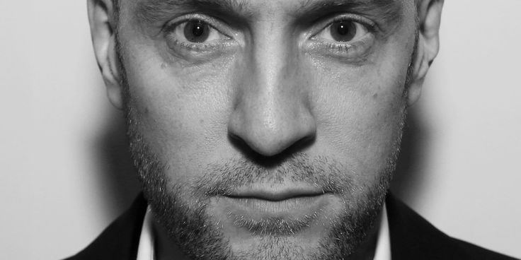 Derren Brown Slams 'Damaging' Self-Help Industry In 'Happy' Book: 'The Universe Doesn't Give A F**k' | Huffington Post