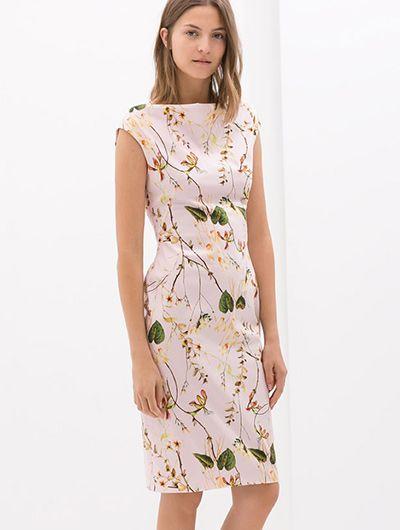 Vestido de flores  de Zara  Vestidos de verano... ¿cuál es el tuyo? http://www.mujerespacio.com/moda/ropa-moda/vestidos-de-verano-cual-es-el-tuyo/