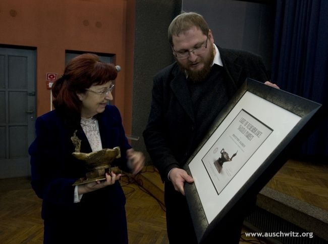 On 3 February The Light of Remembrance award for outstanding contribution in the education about Auschwitz and the Holocaust was awarded to Krystyna Oleksy, the outgoing deput director of the Auschwitz-Birkenau State Museum in charge of education and head of the International Centre for Education about Auschwitz and the Holocaust. The award was presented during a ceremonial farewell which finalised her 37 years of work at the Memorial Site.