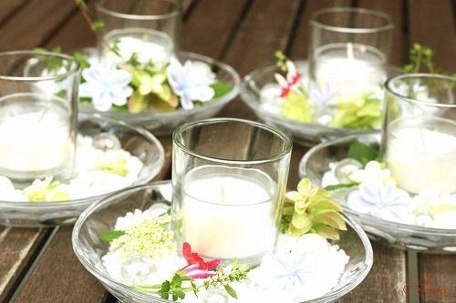 『Chamomile* Roman』さんのアロマクラフトレッスンのご紹介♪ Chances News  アロマのバスソルトとキャンドル キャンドルの回りはお花で飾って♪