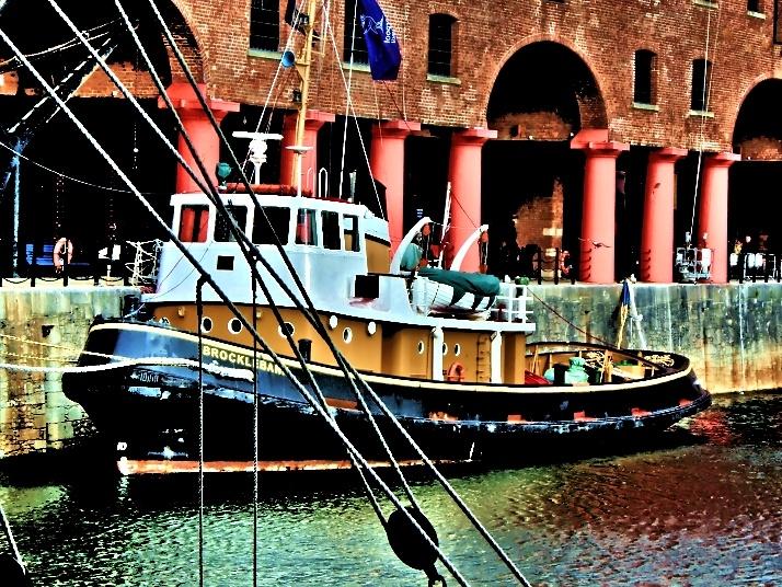 Albert Dock, Liverpool, 08-2012.