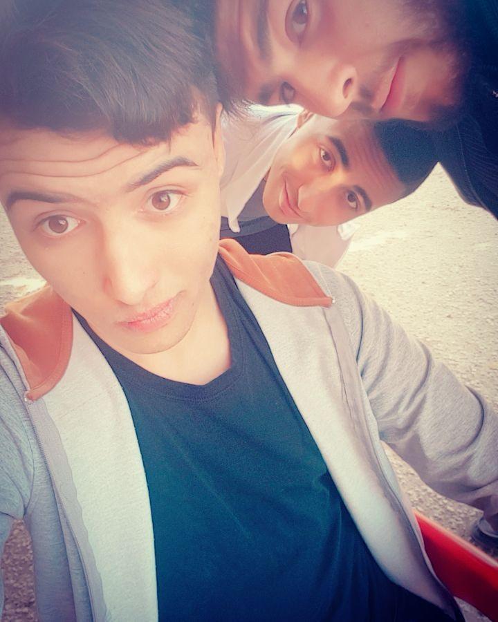 amicitia animi si quis aliter narrat :  tu quoque ? Quod esset sicut cogitavi mecum !! #latin #b612 #selfie #s7 #photooftheday #friends #life #thehappynow #trio #likeforlike #followforfollow