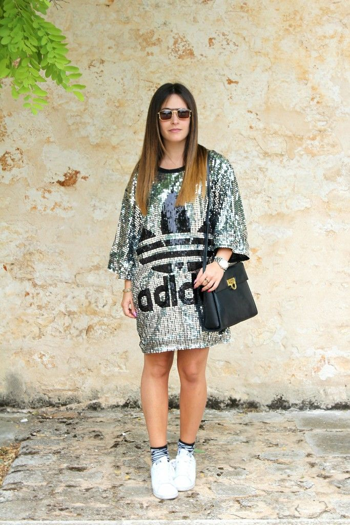 Outfit del giorno: paillettes e dettagli zebrati
