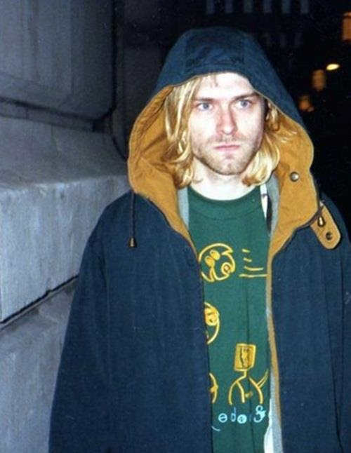‎1967-1994//One of rock's greatest and one of many who was gone too soon. RIP Cobain \m/