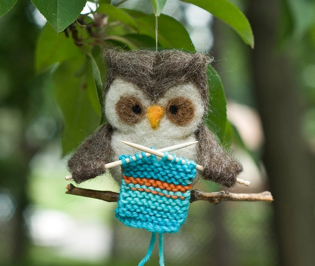 Knitting Owl! Two of my favorite things!