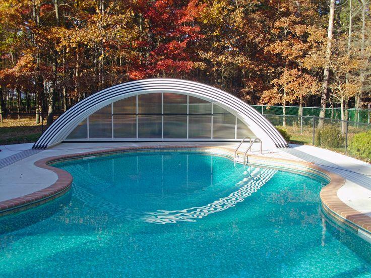 Zastřešit nepravidelný bazén není problém pro naše kvalitní kryty.