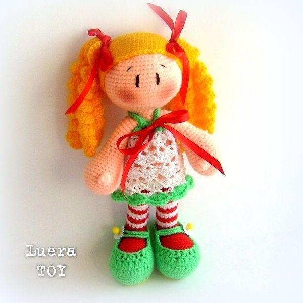 Doll in gestreepte kousen - een beschrijving van het breien haken speelgoed
