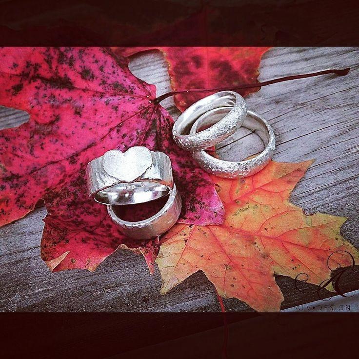 Alv Design handarbetar och designar rustika personliga silverringar med och utan ädelstenar. Välkommen att se mer i webbutiken www.alvdesign.se