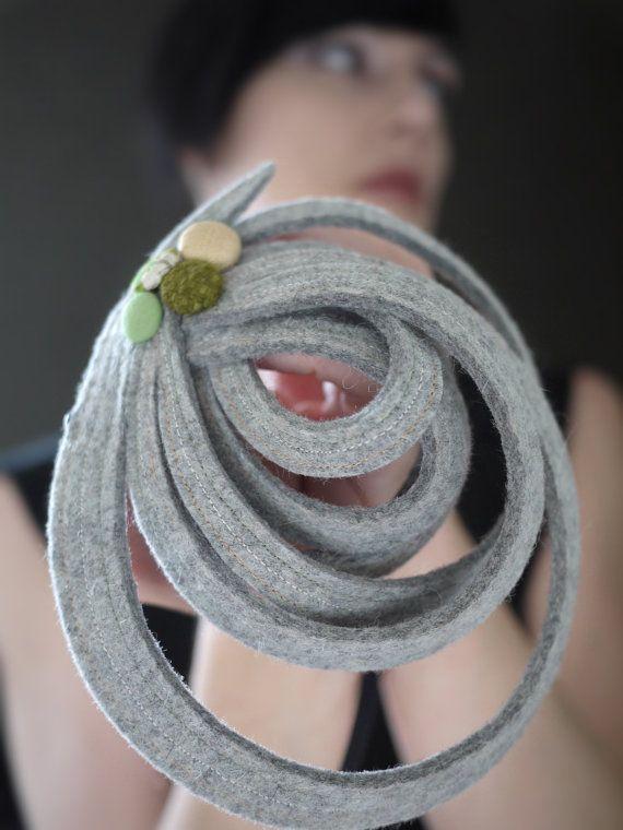 Moderno scultorea grigio feltro Fascinator serie di pookaqueen