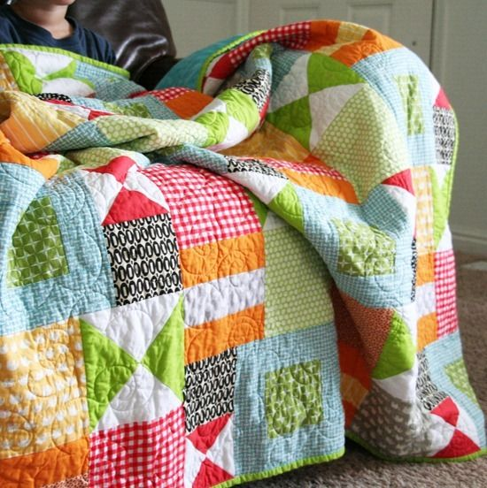quilt: Cute Quilts, Quilts Patterns, Kids Quilts, Colors Quilts, Bright Quilts, Cluck Cluck Sewing, Quilts Ideas, Bright Colors, Boys Quilts