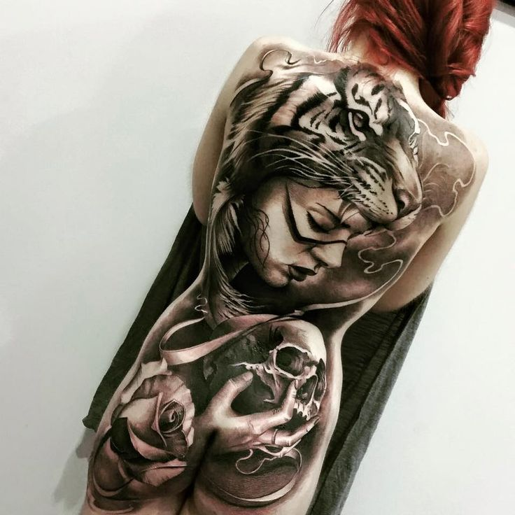 Jaw Line Tattoos: Jaw-dropping Girl With A Tiger Headpiece By Matthias Noble