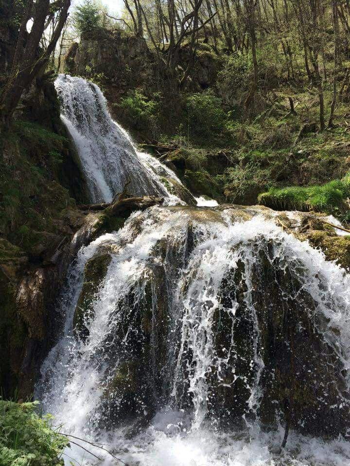 Gostiljska vrela Vodopadi u selu Gostilju