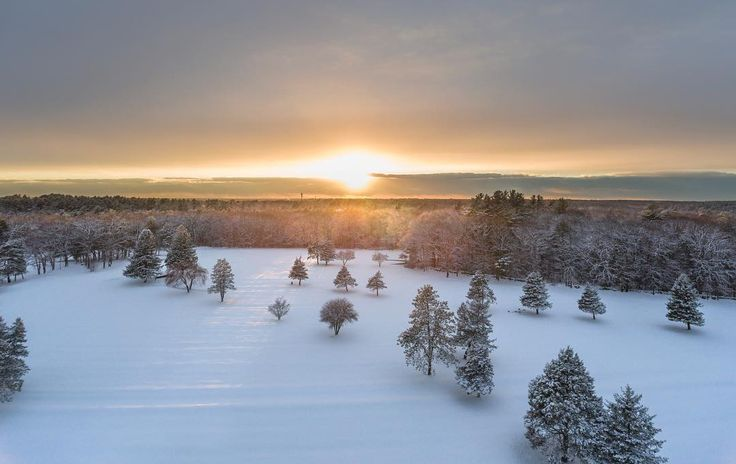 Another shot of the amazing sunset after the storm. #flymyphotos #sunsetlovers #sunset_love #sunsetporn #sunset_ig #drone #drones #dronestagram #dronephotography #dronefolio #droneartwork #dronephotos #golfislife #winter #wintersun #winterstorm #naturephotography #naturesbeauty #naturephotos #naturepic #landscape_lovers #landscapephotography #landscapelover #landscapephotos #landscapecaptures #boston #bostonphotography #bostonbloggers #abington #strawberryvalley