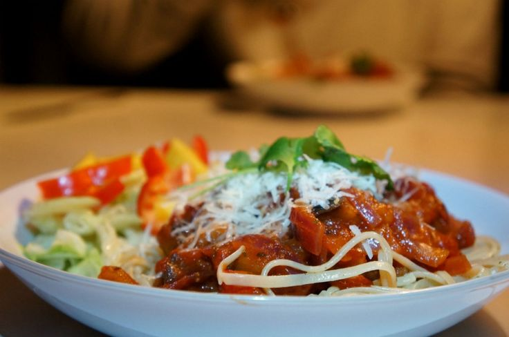 Pasta med aubergine- & tomatröra. Mums!