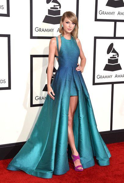 Taylor Swift Photostream   Taylor swift dress, Taylor ...