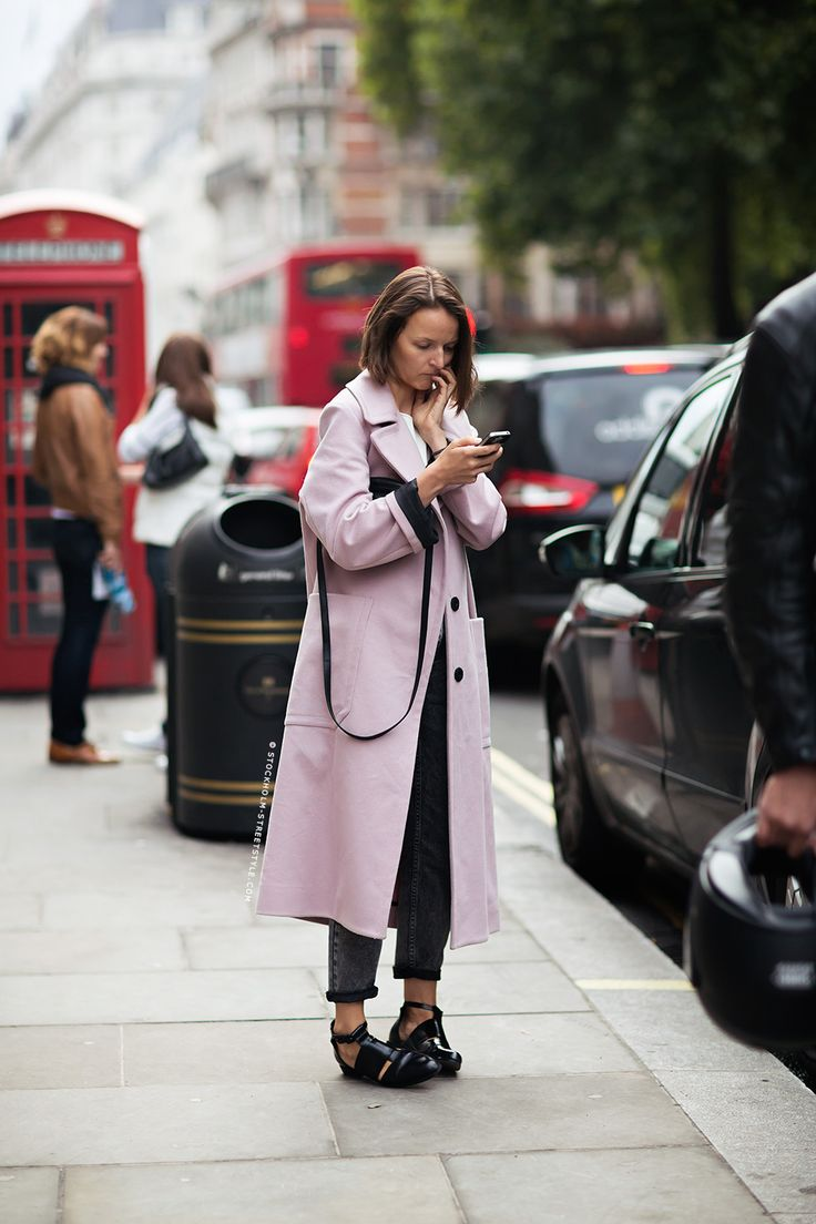 London Fashion Week Spring 2014. Pastels in street style