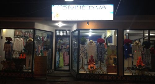 """Plus Size Guide to Shopping In Bali...""""This store is just Ace! It's located in Seminyak and they specialise in resort wear. They export worldwide..""""#PlusSizeResortWear #ResortWear #BestResortWearBali #divinedivalifestyle.com #CurvyFashion"""