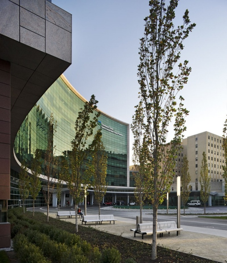 Cleveland Clinic Foundation – Miller Family Pavilion and Glickman Tower in Cleveland, United States