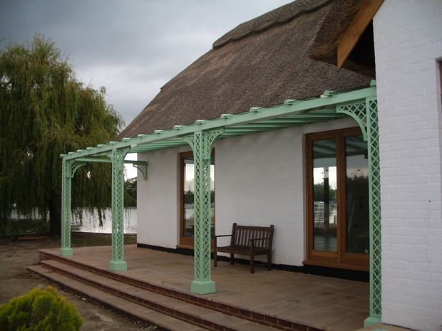 <p>An unusual colour for this Verandah on a thatched cottage, right on the Norfolk Broads.</p>