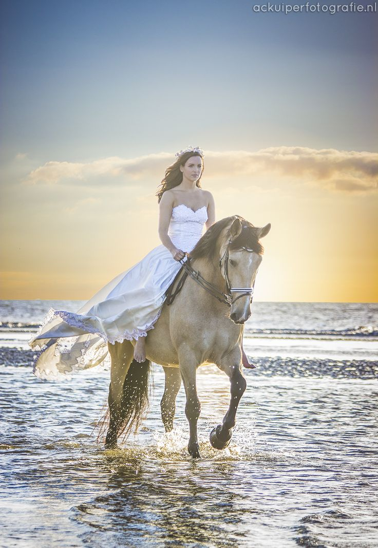 fairytale, pink, roze, photoshoot, fotoshoot, shoot, dress, girl, horse, sunset, ackuiperfotografie