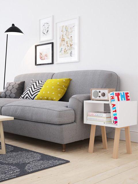Parquet / Canapé gris / Coussins colorés et à motifs