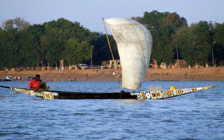 Pinas In De Delta Van Niger In Mopti