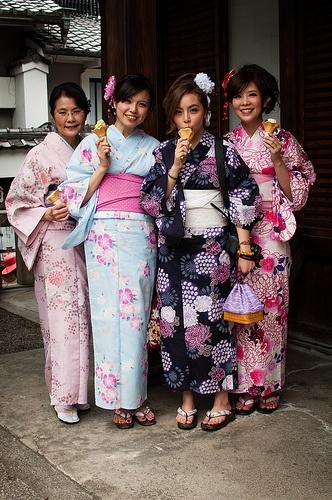 Yukata girls, summer kimono