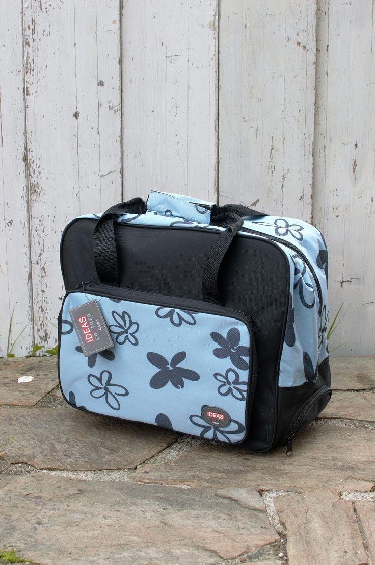 Maleta trolley para transportar cómidamente la máquina de coser a las clases de costura o patchwork. Adquiérela en Patch Creatures