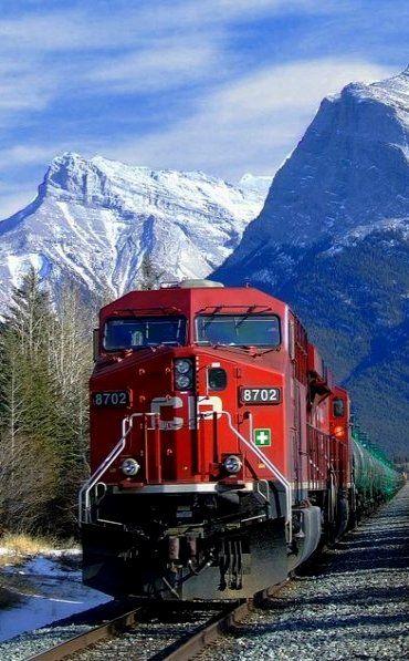 A Canadian Pacific Railway (CPR), é uma transportadora ferroviária canadense histórica, fundada em 1881. Opera em todo o Canadá e para os Estados Unidos.