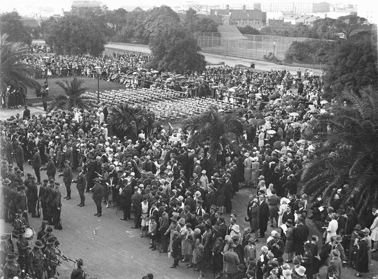 Crowds line the route of the Anzac Day March for 1931. Mitchell Library, State Reference Library : http://www.acmssearch.sl.nsw.gov.au/search/itemDetailPaged.cgi?itemID=44068                                   Hood, Sam & Hood, Ted Level of Description  Item Date of Work  c.1931