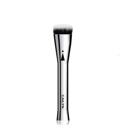 CAILYN ICone Brush 112 Oval Shaped Foundation Brush Кисть для нанесения тональной основы купить в интернет магазине beautydrugs.ru