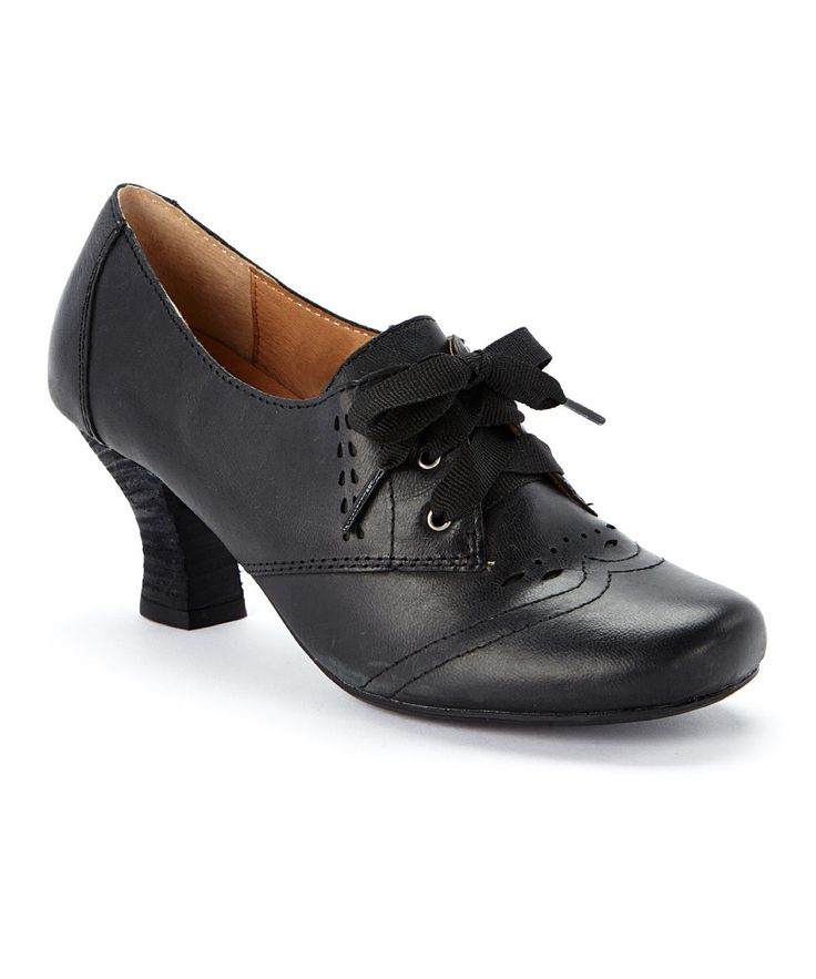 Look at this Crowne Comforteur Black Lane Leather Pump on #zulily today!